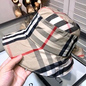 Burberry Classic Color Bucket Hat